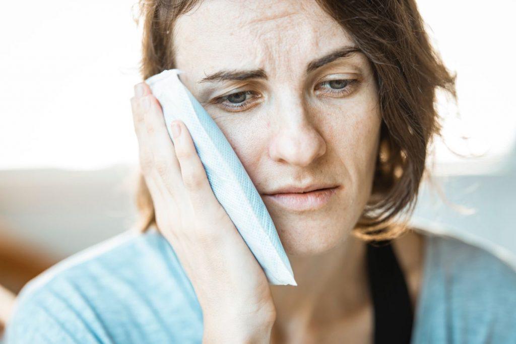 כאב שיניים פתאומי